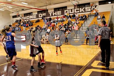 JrHighLadyDucksVsB-PC Basketball 11-19-2015_8028